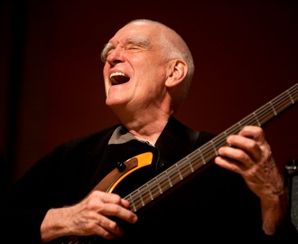 A man enjoying himself - Steve Swallow (Photo © John Watson/jazzcamera.co.uk