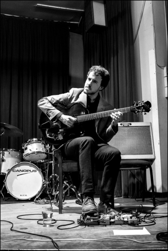 Gilad Hekselman at the Silvershine Jazz Club (Photo © Garry Corbett)