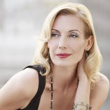 Ute Lemper - impeccable