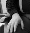 braces hand