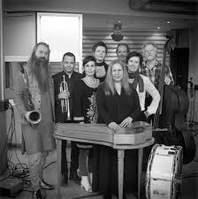 Sinikka Langeland and her musicians.